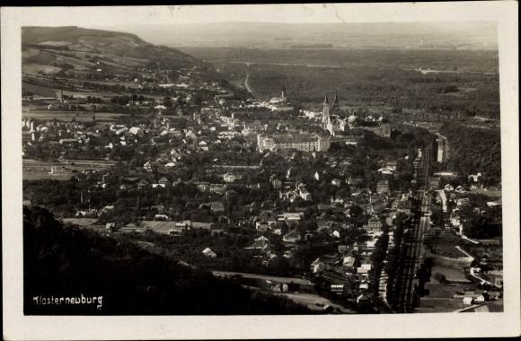 Ak Klosterneuburg in Niederösterreich, Panorama vom Ort 0