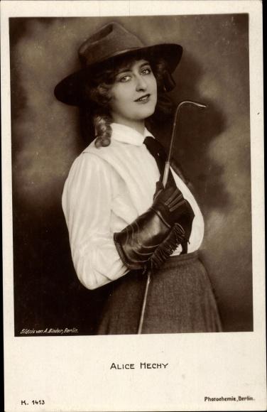 Ak Schauspielerin Alice Hechy, Portrait, Hut, Reitbekleidung, PH K 1413 0