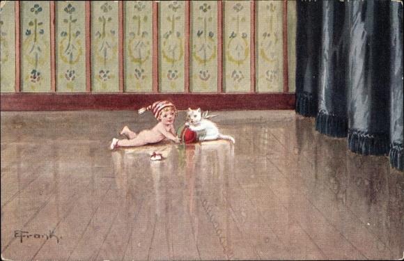 Künstler Ak Frank, Elly, Baby auf dem Dielenboden, Mütze, Schuhe, Spiel m. Katze, Ball,