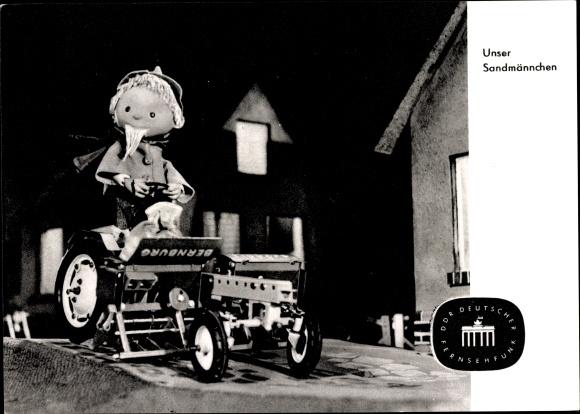 Ak Unser Sandmännchen, Sandmann, DDR Kinderfernsehen, Bernburg Traktor, S 2 63