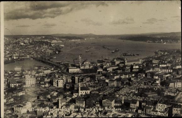 Foto Ak Konstantinopel Istanbul Türkei, Vue panoramique du port et du Bosphore