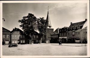 Ak Lütjenburg in Schleswig Holstein, Markt und Kirche