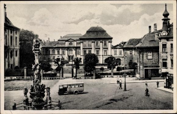 Ak Duchcov Dux Region Aussig, Schloss, Landratsamt