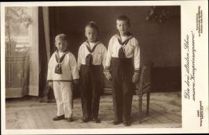 Ak Erbprinz Wilhelm, Louis Ferdinand, Hubertus, Söhne des Kronprinzenpaares, Liersch 4257
