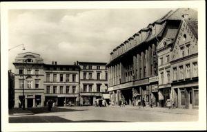 Ak Güstrow in Mecklenburg Vorpommern, Markt mit Hotel Stadt Güstrow, Capitol