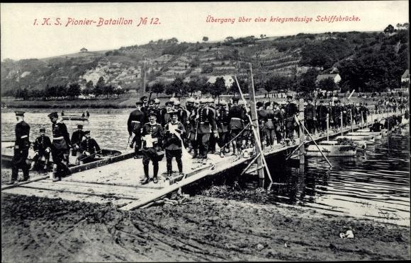 Ak 1. K. S. Pionier Bataillon No. 12, Übergang über eine kriegsmäßige Schiffbrücke