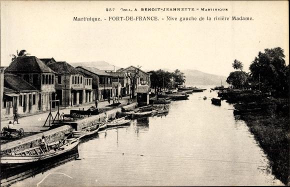 Ak Fort de France Martinique, Rive gauche de la rivière Madame
