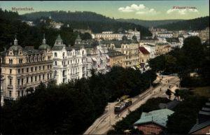 Ak Mariánské Lázně Marienbad Reg. Karlsbad, Kaiserstraße, Straßenbahn