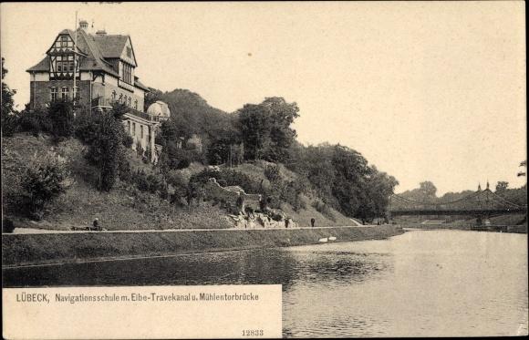 Ak Lübeck in Schleswig Holstein, Navigationsschule mit Elbe Trave Kanal