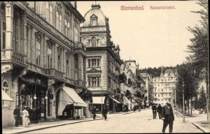 Ak Mariánské Lázně Marienbad Reg. Karlsbad, Kaiserstraße