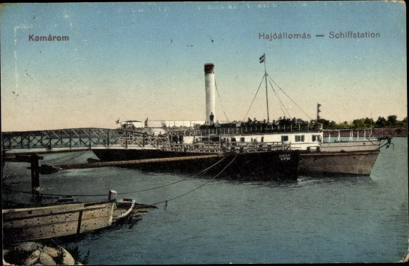 Ak Komárom Komorn Ungarn, Schiffsstation, Hajoallomas