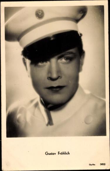 Ak Schauspieler Gustav Fröhlich, Portrait in Schirmmütze
