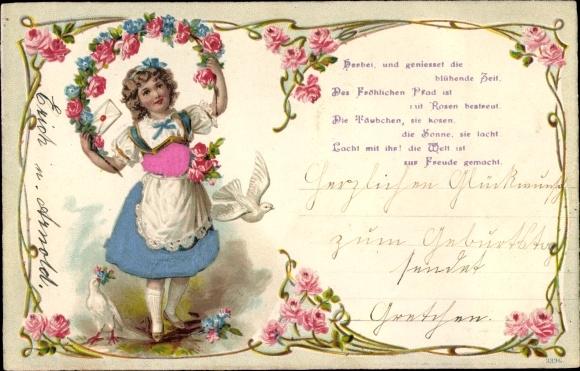 Präge Passepartout Ak Mädchen, Kranz aus Rosen, Tauben, Brief, Gedicht