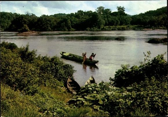 Ak Französisch Guayana Guyane Francaise, Canot Wayana, rive de la rivière, gens