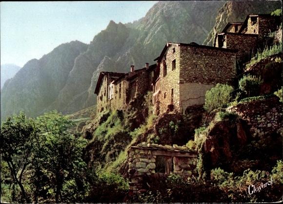 Ak Andorra, Maisons typiques du Pui, paysage montagneux