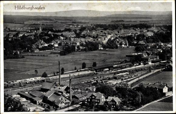Ak Hildburghausen in Thüringen, Panorama, Bahnhof, Bahnanlagen 0