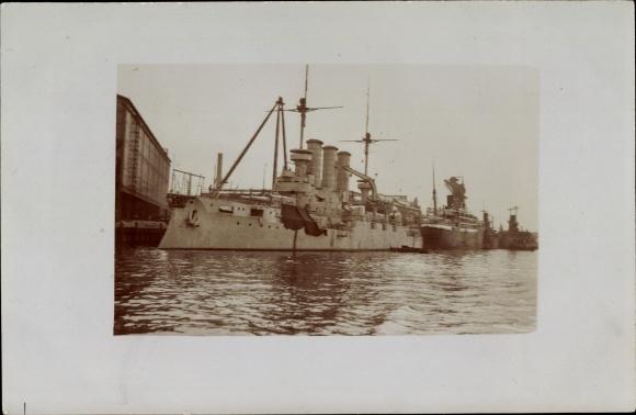 Foto Ak Deutsches Kriegsschiff, SMS Hessen im Hafen 0