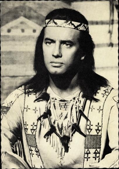 Ak Schauspieler Pierre Brice, Portrait, Winnetou, Indianer 0