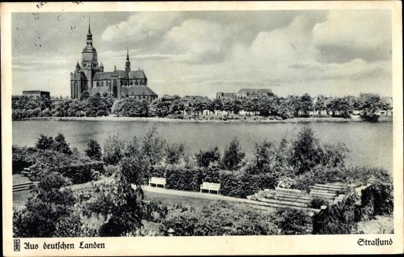 Ak Stralsund in Mecklenburg Vorpommern, Blick über das Wulflamufer auf die Stadt 0