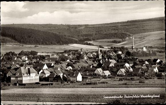 Ak Bodenfelde in Niedersachsen, Gesamtansicht, Sommerfrische 0