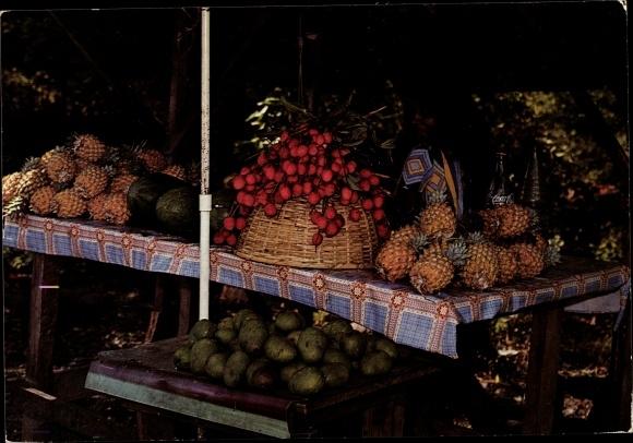 Ak Île de la Réunion, Marchande de fruits, ananas, melons, Cola bouteille 0