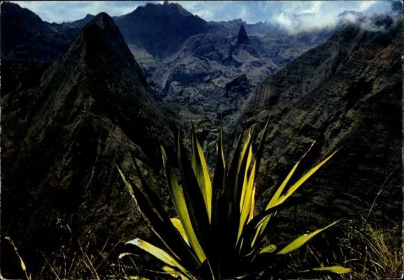 Ak Île de la Réunion, paysage montagneux, vue panoramique 0