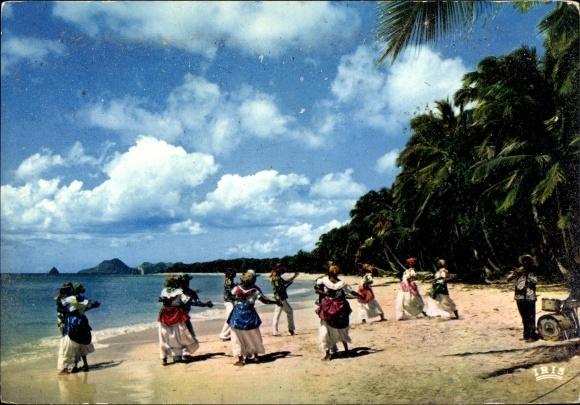 Ak Martinique, Danse folklorique sur la plage des Salines, palmiers 0