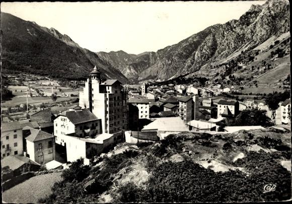 Ak Andorra la Vella Andorra, côté Est, vue générale, vallée, chaîne de collines 0