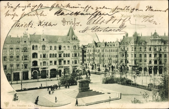 Ak Magdeburg an der Elbe, Kaiser Wilhelm Platz, Vogelschau, Reiterstandbild, Passanten, Häuser 0