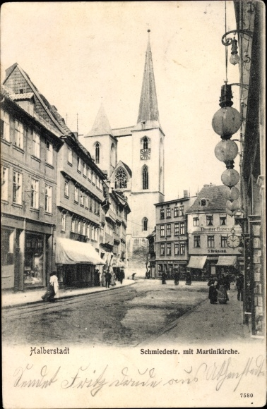Ak Halberstadt in Sachsen Anhalt, Schmiedestraße, Fußgänger, Martinikirche, Theater Friseur 0