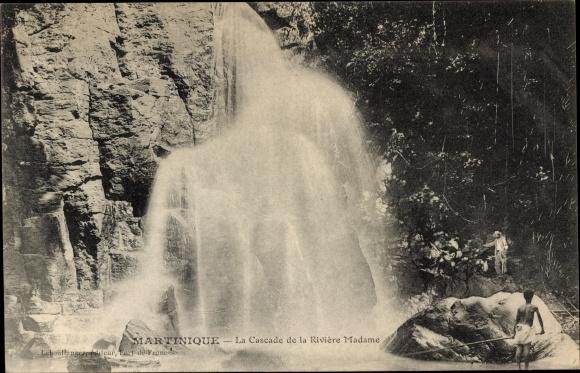 Ak Martinique, La Cascade de la Rivière Madame 0