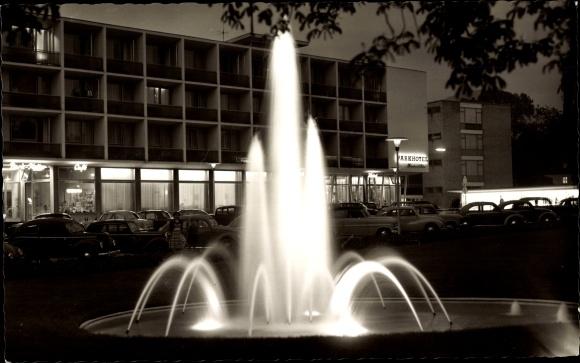 Ak Reutlingen in Baden Württemberg, Parkhotel Friedrich List, Nacht, Fontäne