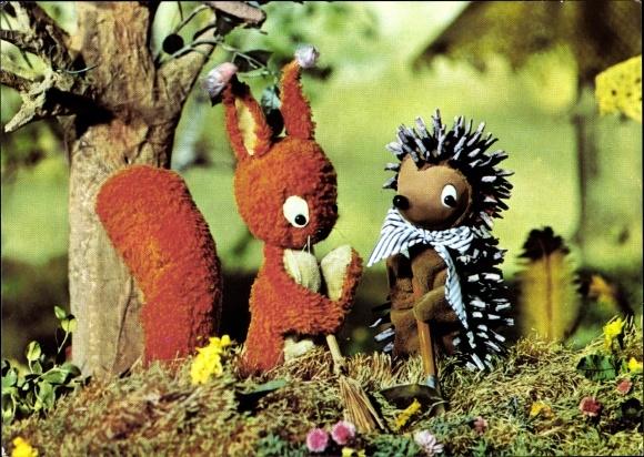 Ak Sandmännchen, Igel Borstel, Eichhörnchen Putzi, DDR Kinderfernsehen