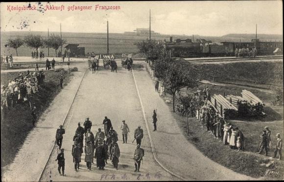 Ak Königsbrück in der Oberlausitz, Ankunft gefangener Franzosen, Kriegsgefangene, I. WK