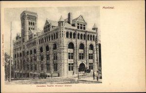 Ak Montreal Québec Kanada, Canadian Pacific Windsor Station, Bahnhof, Straßenseite