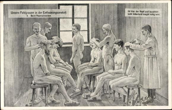 Ak Feldgrauen in der Entlausungsanstalt, Beim Haarschneiden