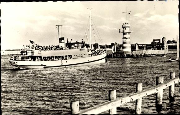 Ak Rostock Warnemünde, An der Mole, Undine Fährschiff, Leuchtturm