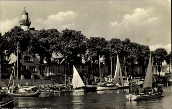 Ak Rostock Warnemünde, Am Strom, Segelboote
