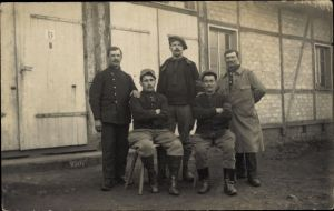 Foto Ak Kriegsgefangene Franzosen, Gruppenportrait
