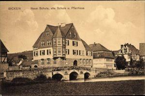 Ak Bicken Mittenaar Hessen, Neue und alte Schule, Pfarrhaus, Brücke