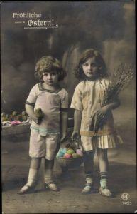 Ak Glückwunsch Ostern, Junge, Mädchen, Weidenkätzchen, Ostereier, Küken