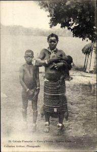 Ak Elfenbeinküste, Femme Ehrie, bebe, Portrait