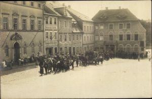 Foto Ak Königsbrück in der Oberlausitz, Begräbnis, Bäckerei Heinrich Noske