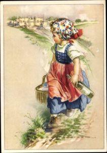 Künstler Ak Mädchen mit Korb und Weinflasche, Kopftuch