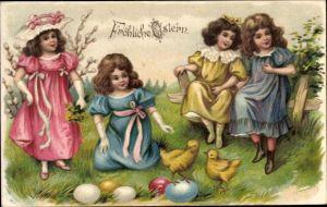 Präge Ak Glückwunsch Ostern, Küken, Ostereier, Mädchen