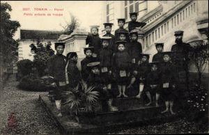 Ak Hanoi Tonkin Vietnam, Petits enfants de troupe