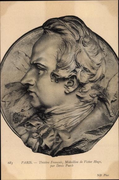 Ak Paris Frankreich, Theatre Francais, Medaillon de Victor Hugo par Denis Puech