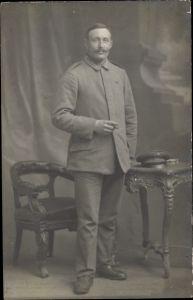 Foto Ak Dt. Soldat, Portrait, Zigarre