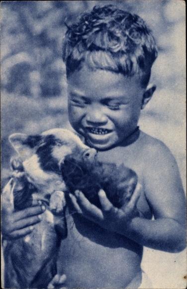 Ak Ozeanien, Junge m. Schwein, Fütterung, Deux amis, Missions d'Oceanie
