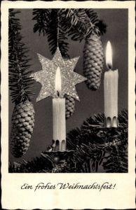 Ak Glückwunsch Weihnachten, Brennende Kerzen, Tannenzapfen, Stern